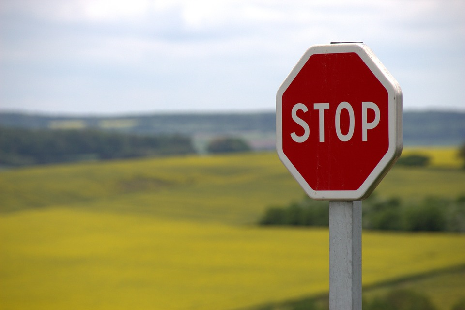stop sign trading stocks with stops